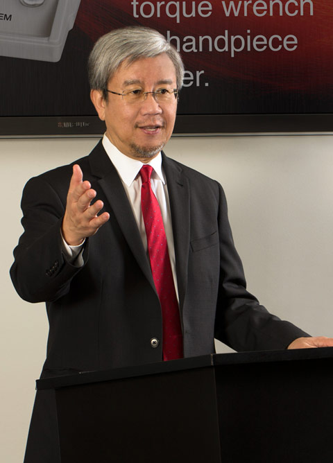 Dr. Choi lectures